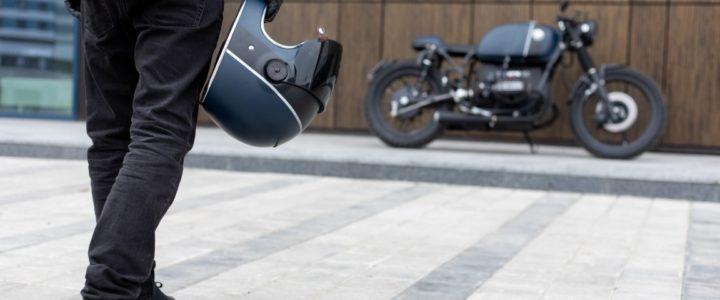 Compre a moto pelo menor preço no leilão