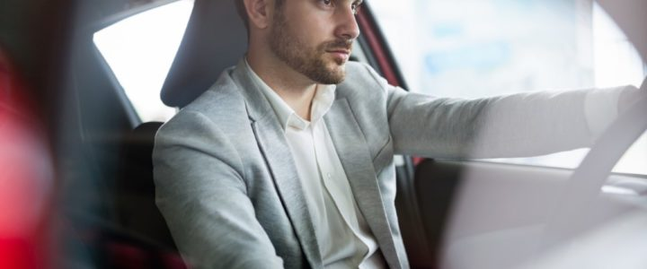Como alugar um carro pelo celular com o Vai Car