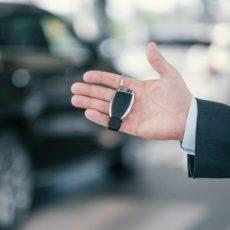 Aluguel de carro: locadoras oferecem cortesia para quem vai alugar um carro